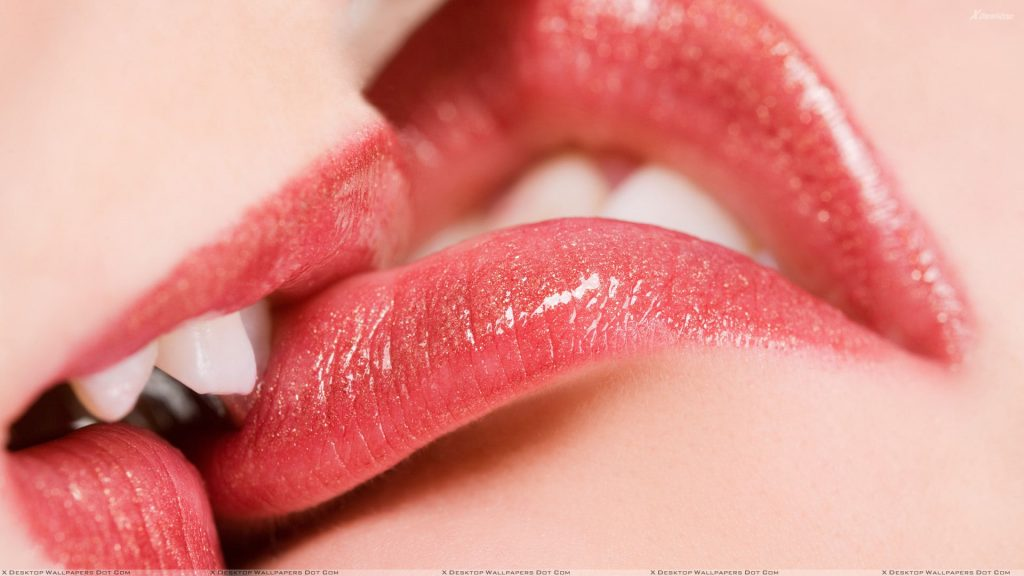 Kissing-Glossy-Red-Lips-Closeup-PIC-MCH080158-1024x576 Couple Lip Kiss Wallpapers 24+