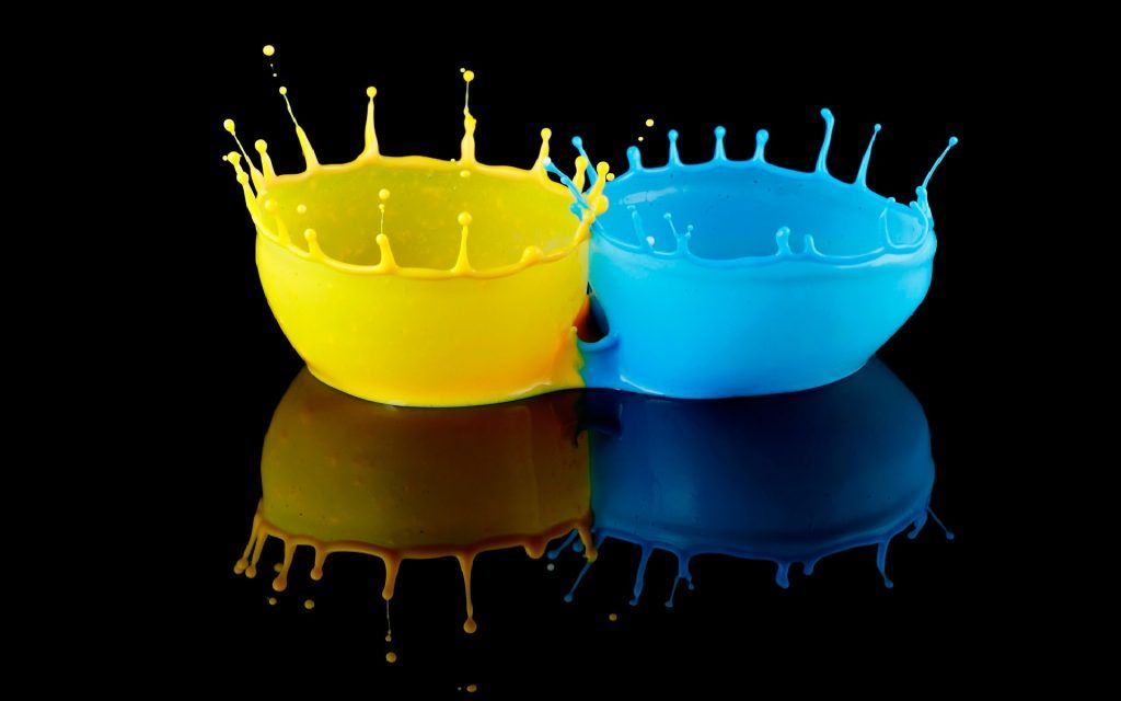 Yellow-and-blue-colors-splash-in-black-x-PIC-MCH0120636-1024x640 Supernova Wallpaper Android 30+