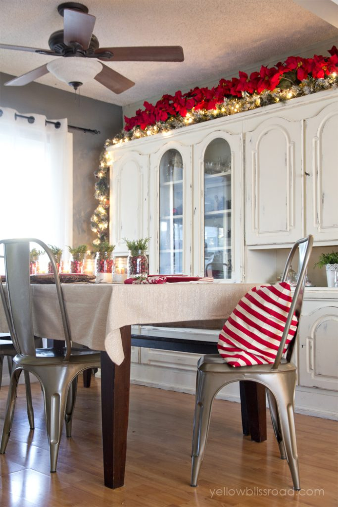 christmas-decor-in-the-dining-room-PIC-MCH052540-683x1024 Martha Stewart Wallpaper Home Depot 12+