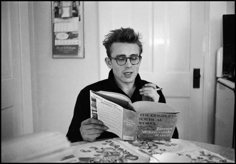jamesdeenreading-PIC-MCH078396 James Dean Giant Wallpaper 33+