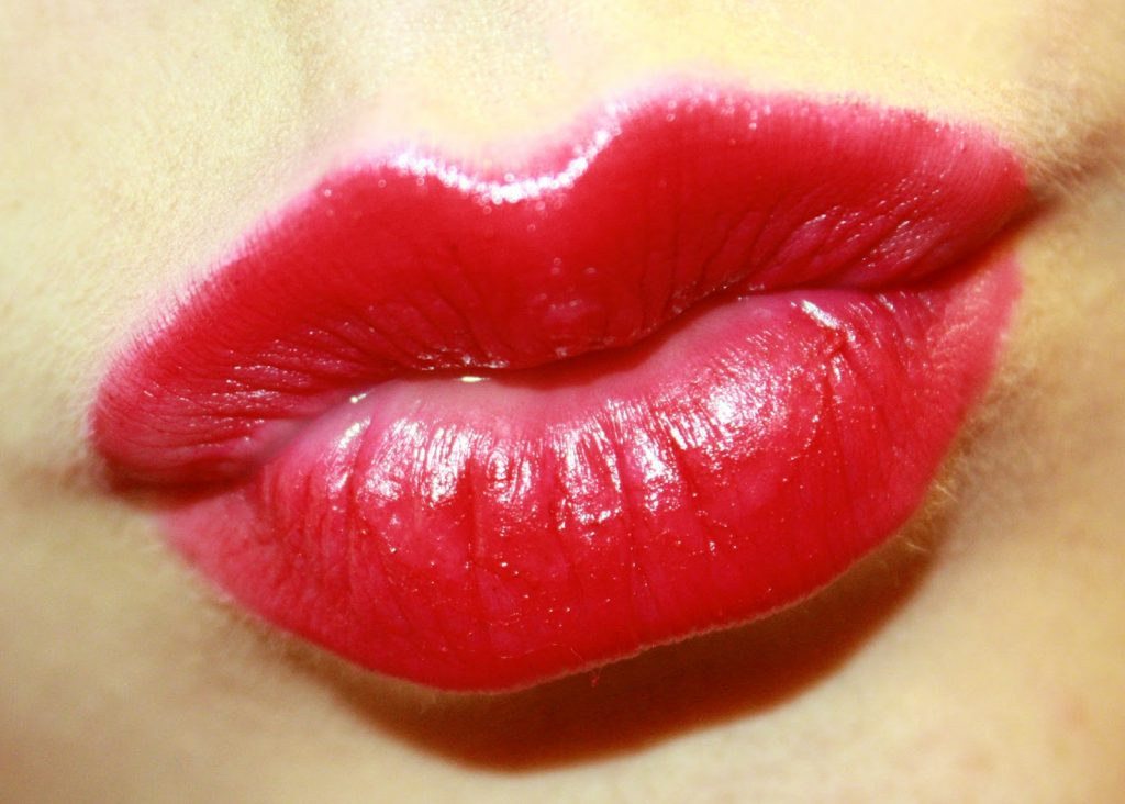 lips-kiss-images-PIC-MCH016842-1024x732 Couple Lip Kiss Wallpapers 24+