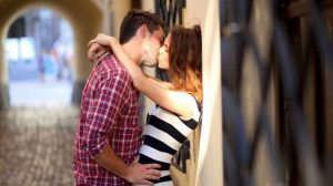 Couple Lip Kiss Wallpapers 24+