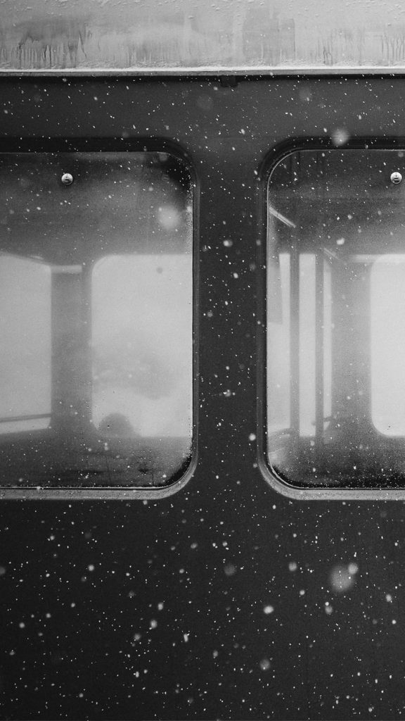 train-PIC-MCH0108045-576x1024 Free Black Wallpaper For Iphone 45+