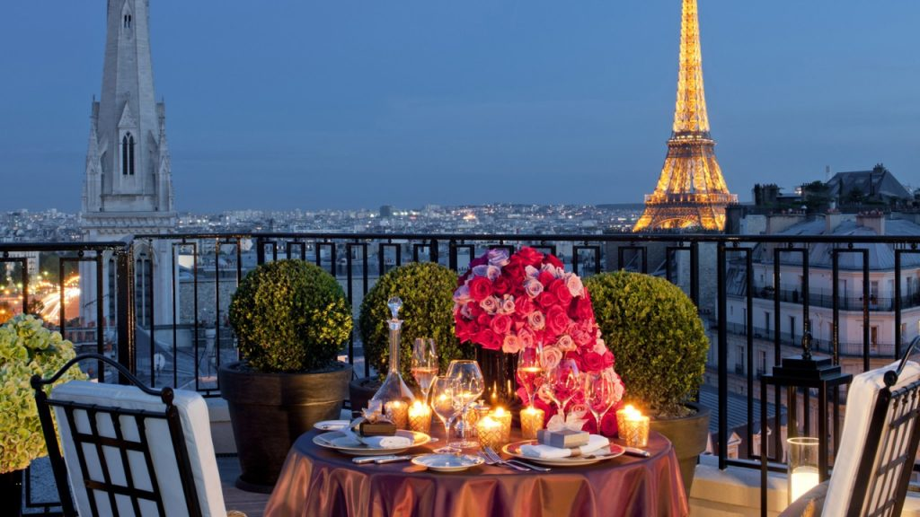 Four-Seasons-Hotel-George-V-Paris-PIC-MCH064816-1024x576 Wallpaper Paris Restaurants 21+