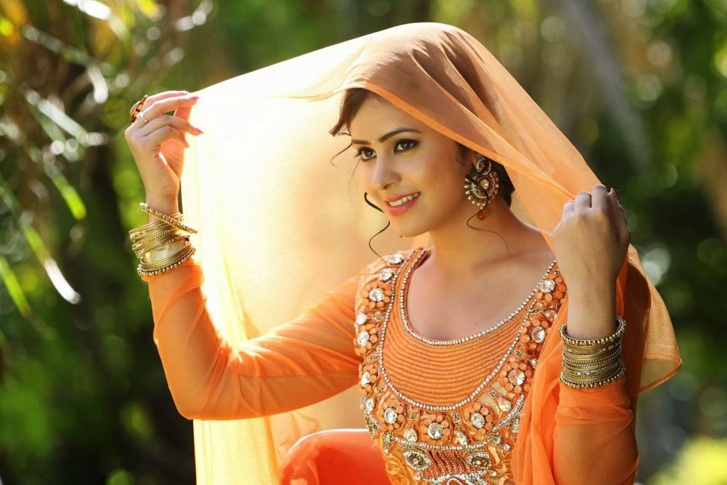 Beautiful-Indian-Girl-Images-PIC-MCH044935-1024x683 Beautiful Indian Wallpapers Free 23+