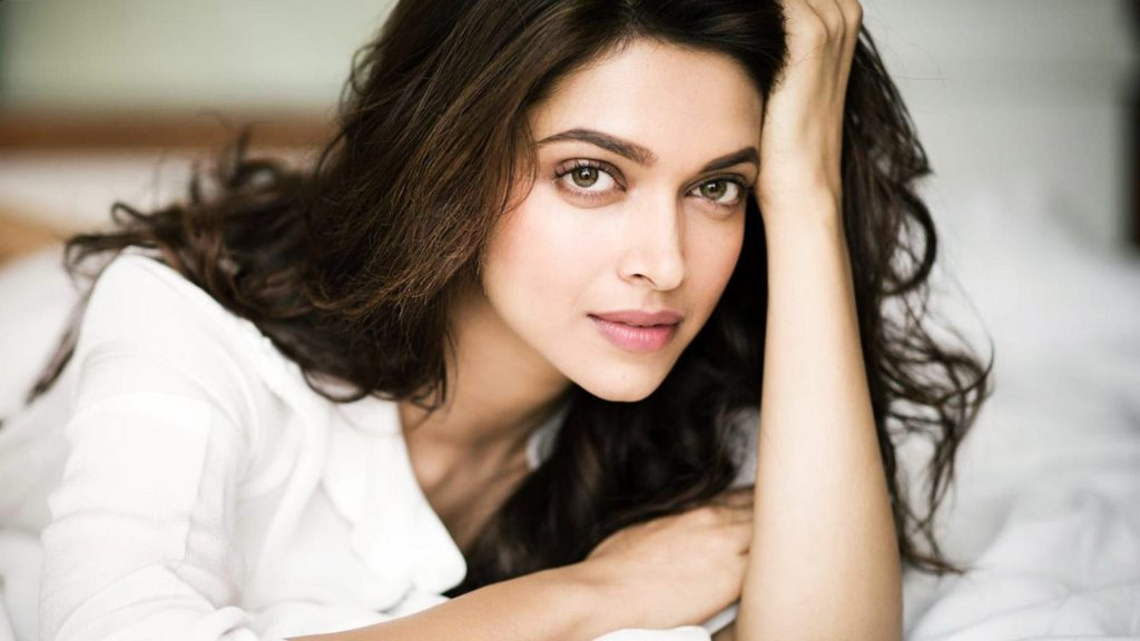 Beautiful-and-Normal-Face-of-Bollywood-Actress-Deepika-Padukone-HD-Images-PIC-MCH044680-1024x576 Beautiful Wallpapers Indian Actress 31+
