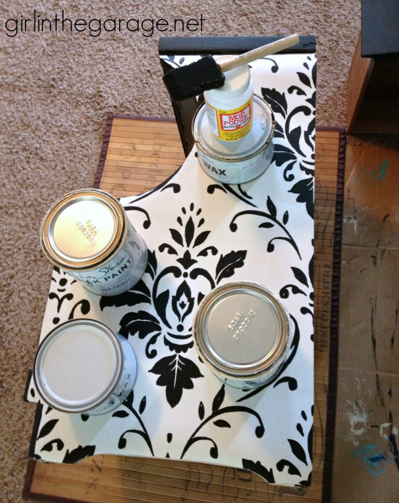 IMG-wallpaper-decoupage-chalk-paint-table-makeover-PIC-MCH075357-813x1024 Wallpaper Furniture Decoupage 10+