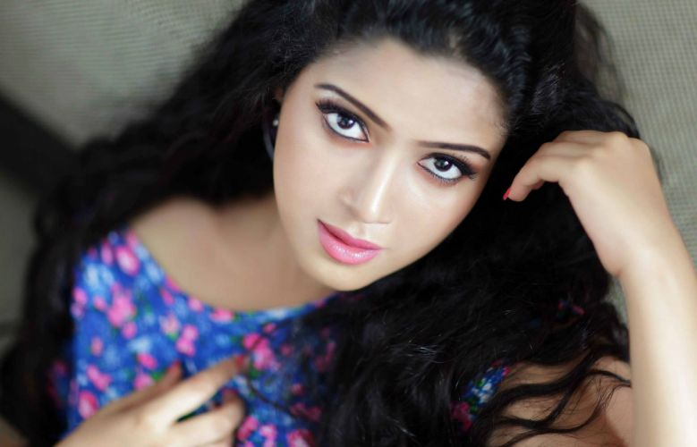 ddfefceddebbd-PIC-MCH056863 Beautiful Indian Faces Wallpapers 29+
