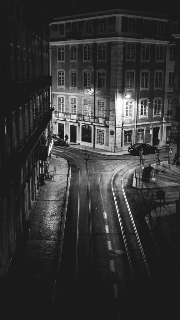 iphone-black-and-white-city-Lisboa-hq-images-free-PIC-MCH076367-576x1024 Black And White Iphone Wallpaper Hd 54+