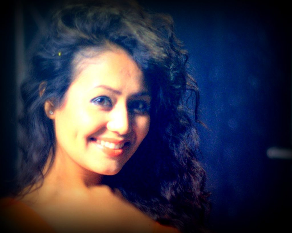 neha-kakkar-cute-smile-wallpaper-edit-PIC-MCH089349-1024x819 Beautiful Wallpapers Indian Singers 18+